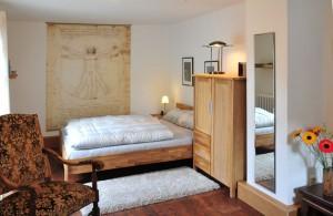 Schlafzimmer-Esszimmer 4